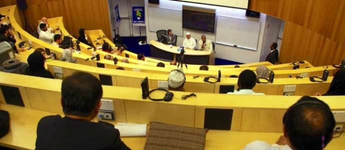 Issues facing migrant workers raised by CILE in public lecture